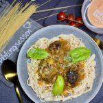 Hackbällchen mit Reis-Pasta