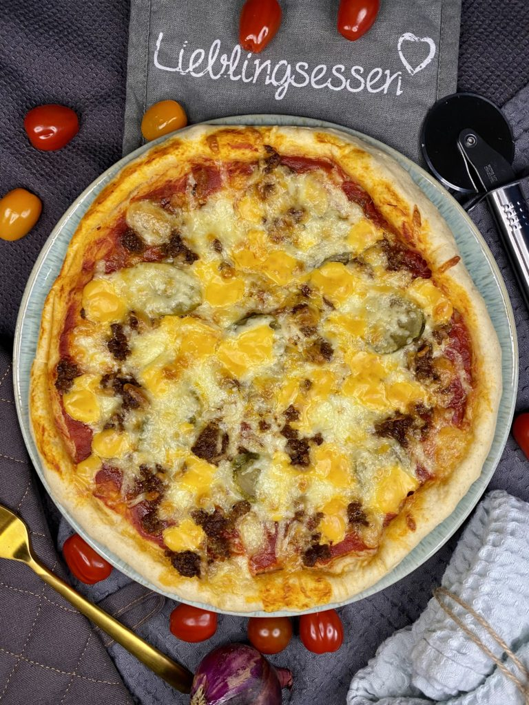 Cheesy Burgerpizza